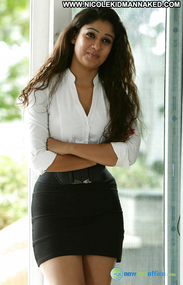 Nayanthara Pictures  Tamil Asian Hot Actress Sexy Sea Celebrity